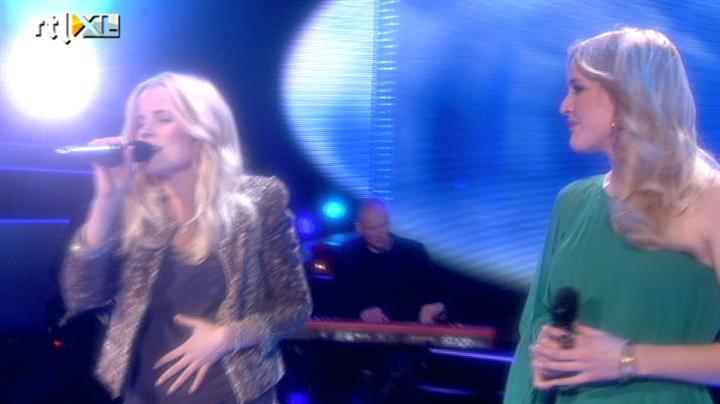 Voice of Holland - Ilse DeLange en Leonie Meijer - Miracle